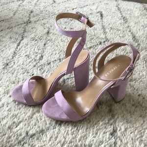Express Lilac sandals, size 7.